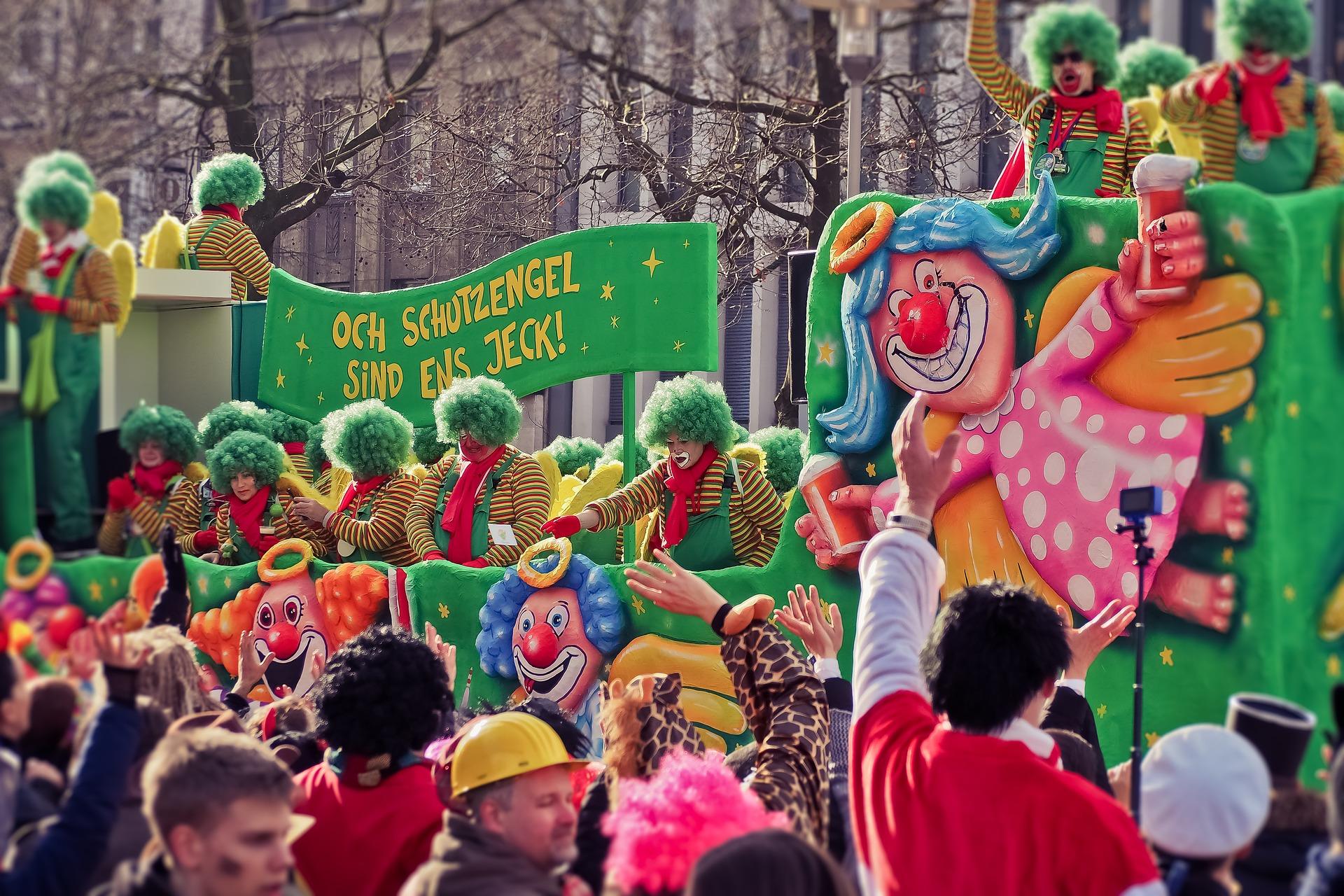 Rosenmontagsumzug - Karneval in Delbrück